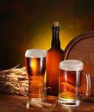 öl kegs livstid fortfarande royaltyfri fotografi