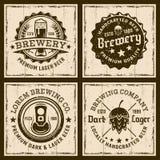 Öl och bryggeri fyra färgade emblem eller emblem Royaltyfri Illustrationer