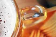 Öl och chiper Arkivfoto