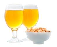 Öl och rimmade jordnötter Royaltyfri Bild