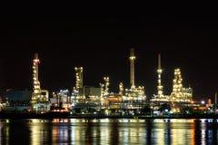 Öl Refineray nachts Lizenzfreies Stockbild