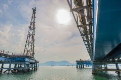 Öl und Ankernanlage stockfotografie