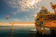 Öl- und Gasplattform herein in Küstennähe Lizenzfreies Stockbild