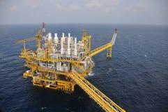 Öl- und Gasplattform im Golf oder das Meer, die Energie der Welt, Offshoreöl und Anlagenbau lizenzfreie stockfotografie