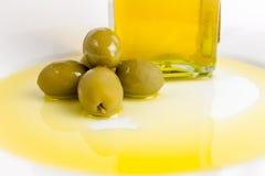 Öl und Olive stockfotos