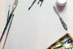 Ölfarben, Bürsten, Segeltuch Abbildung mit abstrakten Zeilen Lizenzfreie Stockfotos