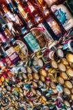Ölflaska och lock Royaltyfri Foto