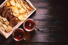 Ölmellanmål stångmat, bar, mest oktoberfest aptitretare royaltyfria foton