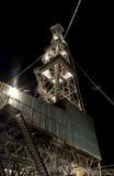 Ölplattform in der Nacht. Winter. Stockfotografie