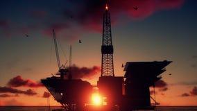 Ölplattform im Ozean, Abschluss oben, schöner Zeitspannesonnenaufgang, Gesamtlänge auf Lager stock footage
