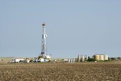 Ölplattform u. GasVorratsbehälter Stockfotografie