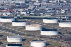 Öltanks stockbilder