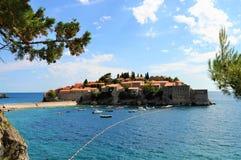 Ön av Sveti Stefan arkivbilder