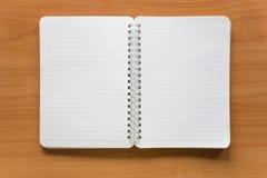 öppen anteckningsbok Fotografering för Bildbyråer