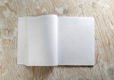 öppen bok royaltyfria foton