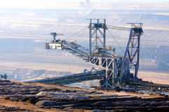 öppen brun coalmining Arkivfoto