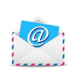 Öppen kuvertluft med symbolen av den elektroniska bokstaven innerst inne Royaltyfri Bild