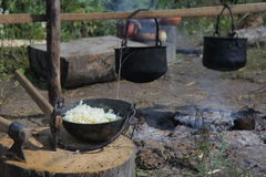 öppen matlagningbrand Arkivfoto