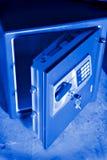 öppen safe för dörr royaltyfria bilder