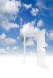 öppen sky för dörr arkivfoto