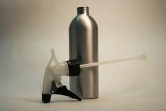 öppen spray för flaska arkivbild