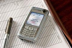 öppen telefonringning för mapp arkivfoton