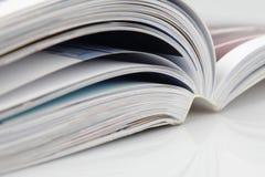 öppen tidskrift arkivfoton