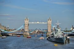 Öppen tornbro London Royaltyfria Bilder