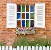 Öppet fönster med Arkivfoto
