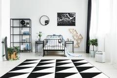 Öppet utrymme med geometrisk matta Royaltyfri Fotografi