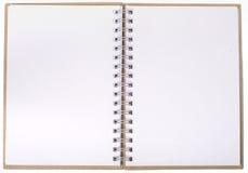 Öppna anteckningsboken med tomma sidor royaltyfri bild