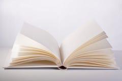 Öppna boken Royaltyfri Bild
