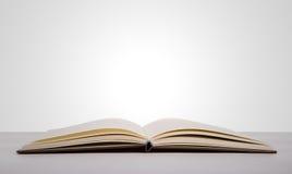 Öppna boken Fotografering för Bildbyråer