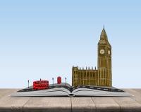 Öppna boken med skissar av London överst Royaltyfria Bilder