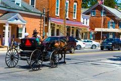 Öppna den Amish barnvagnen på Strasburg Royaltyfri Bild