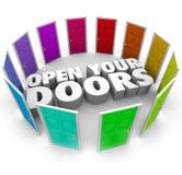 Öppna dina banor för alternativ för dörrtillfällemöjligheten nya Royaltyfri Foto