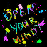 Öppna ditt färgrika meningshälsningkort Royaltyfria Foton