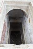 Öppna gravvalvet i en kyrkogård Royaltyfri Fotografi