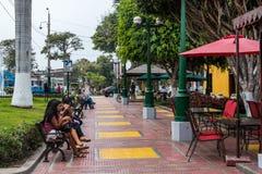 Öppna plazaen i det Barranco området Arkivbilder