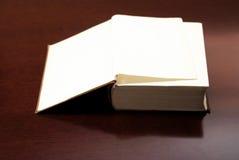 öppna sidor för bok Arkivbilder