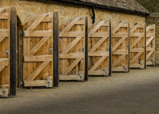 Öppna trädörrar för yttersida Royaltyfri Bild