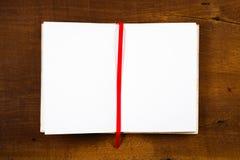 öppnad anteckningsbok Fotografering för Bildbyråer