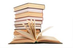 öppnad bunt för bok böcker royaltyfria foton