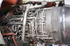öppnad flygplanmotor arkivbild
