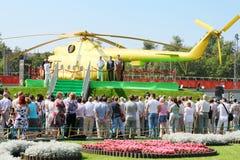 Öppning av monumentet till Mi-8 Royaltyfri Fotografi