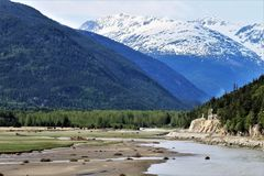 Öppning till historiska Dyea, Alaska royaltyfri foto