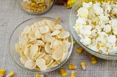 Öra av havre, popcorn och cornflakes Royaltyfri Fotografi