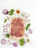 Örten marinerade griskött med asiatisk matstil för sesam arkivfoton