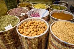 Örter och kryddor i storslagen basar i Tabriz Östligt Azerbajdzjan landskap iran royaltyfri fotografi