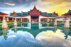Österlänningen utformar arkitektur i Thailand Fotografering för Bildbyråer